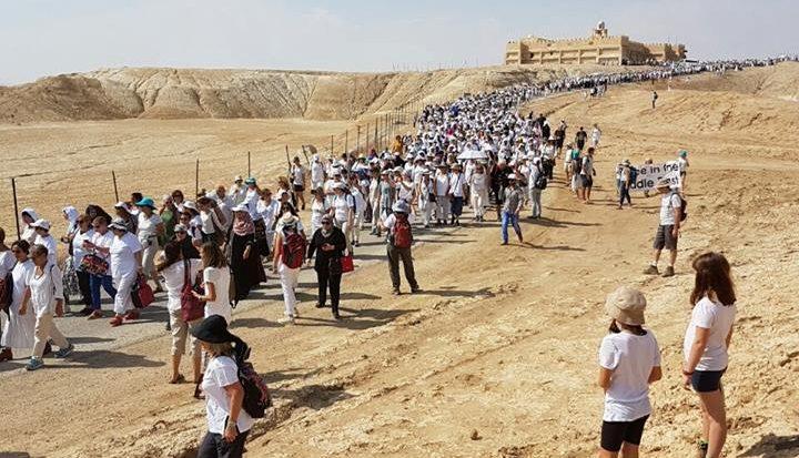 Donne di tutte di tutto il mondo che manifestano insieme in Israele per la pace (Women Wage Peace)